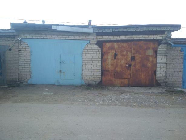 Ворота гаражные 2комплекта