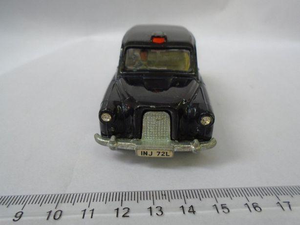 Dinky 284 London Austin Taxi