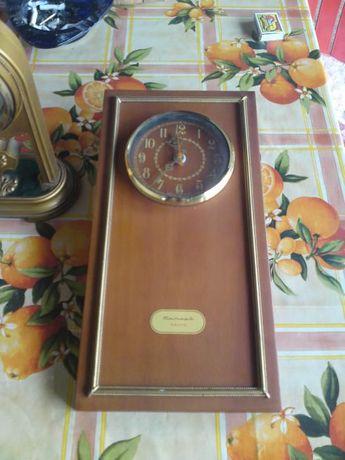 Продавам стар Руски часовник Янтар !!!