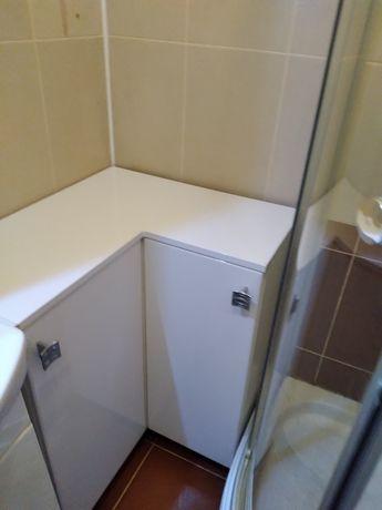 Шкаф для ванной угловой