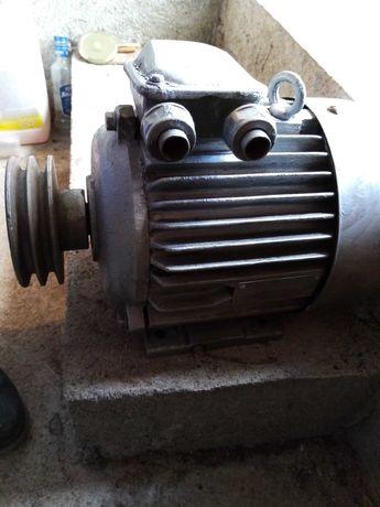 Електрически двигател