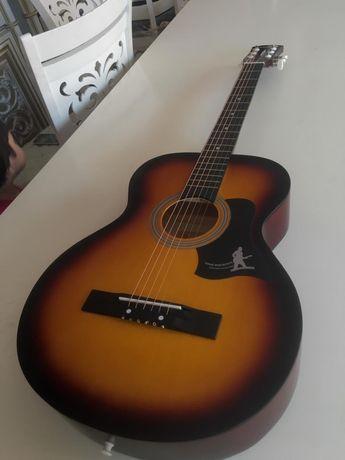 Новый Гитара (с чехлом)