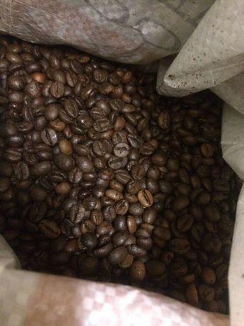 много качествено кафе на зърна в чували по 5 кг. 11 лв. килограма