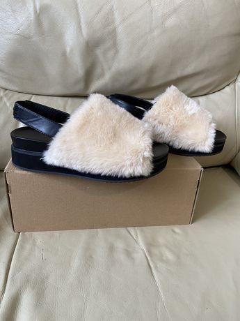 Дизайнерски дамски сандали