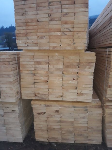 Cherestea rasinoase si deșeuri din lemn