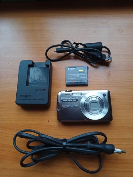 оригинален дигитален фотоапарат Casio-страхотен