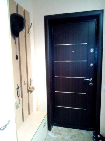 Установка входных металлических дверей.