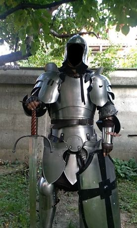 Armura Cavaler Medieval din Otel Functionala
