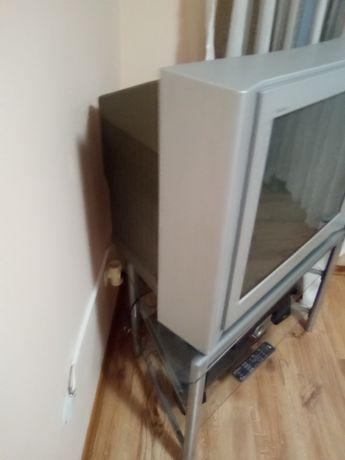 ДВД-LG,телевизор Сони тринетрон,ъглова масичка със стъклени плотове на