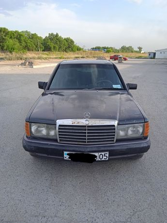 Mercedes 190,1990 года выпуска