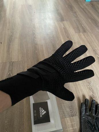 Продам оригинальные вратарские перчатки Адидас