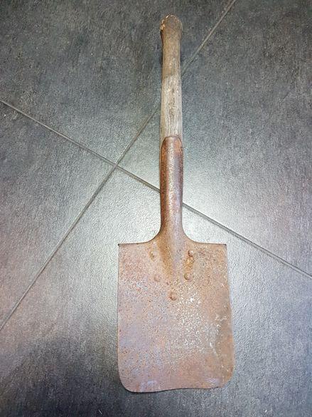 Стара военна лопатка