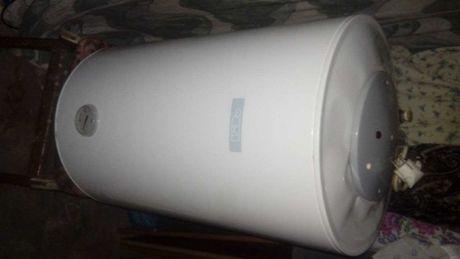 Продаётся  Аристон на 80 литров