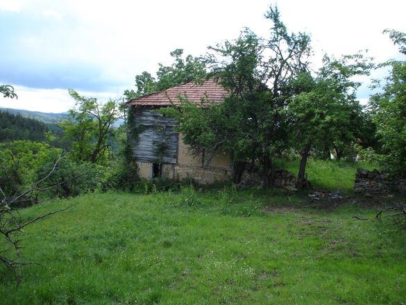 Терен на 5 км от центъра на Трявна
