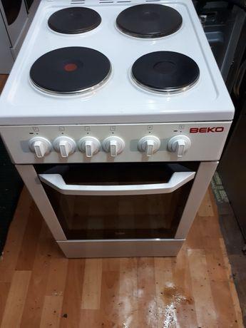 Электрическая плита фирма  ВЕКО  50×60