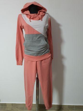 Trening fete, hanorac cu gluga+ pantaloni, mas. S-M;