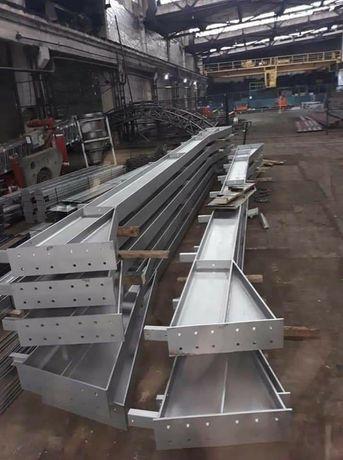 vand 4 ferme 8 stâlpi lățimea de 12 metri hală metalică