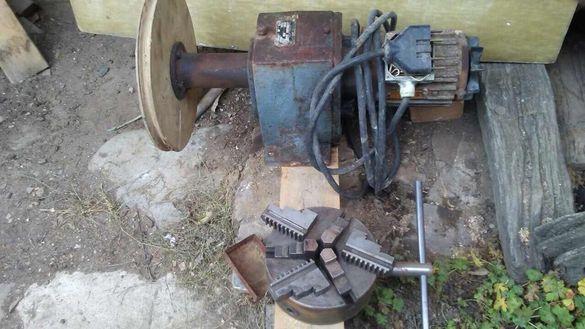 Редуктор с ел двигател Универсал 200 мм