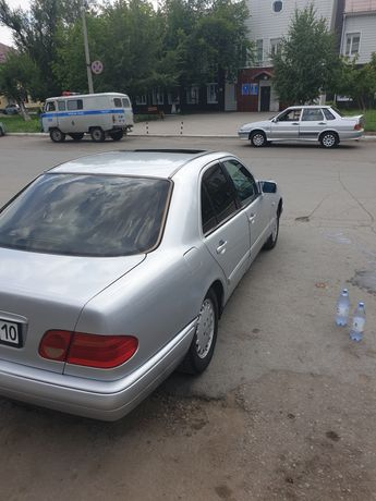 Продам мерседес Е200