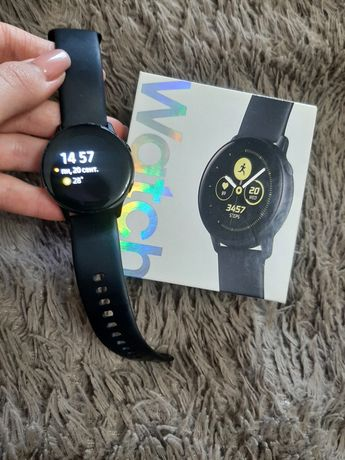 Продам Samsung galaxy Watch Active