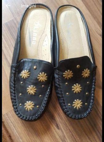 Papuci mărimea 37-38