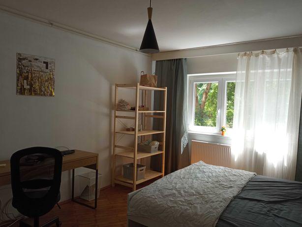 Apartament 3 camere - zona Girocului - de închiriat