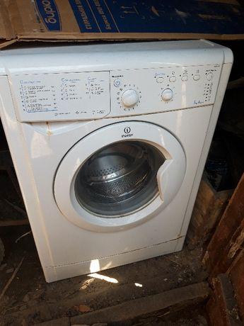 продам б.у стиральную машину и холодильник