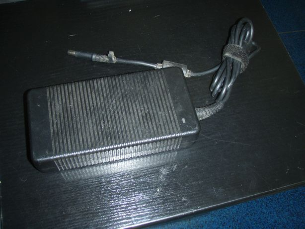 Incarcator HP 230W 19.5V cu 11.8A, mufa rotunda cu pin