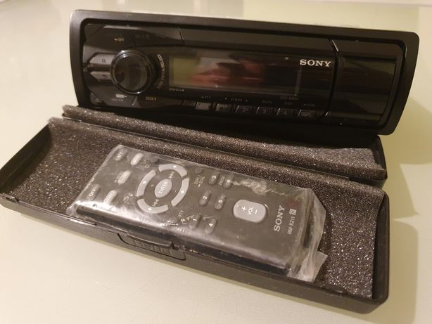 Sony DSX-A40UI USB si jack