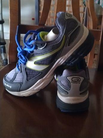 Pantofi running uomo ekiden 200 gri - negru