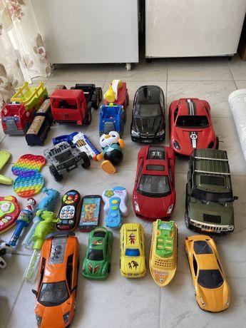 Детские игрушки, машинки ( два больших мешка)