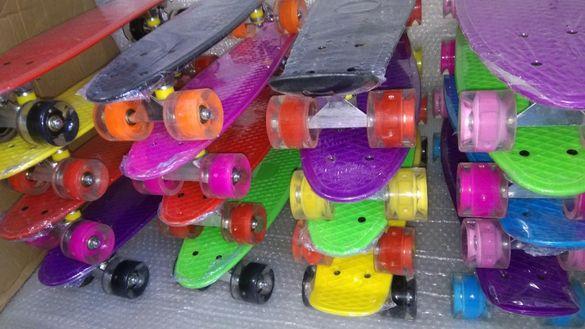 Пениборд скейтборд СВЕТЕЩИ всички цветове в комбинация Penny Board