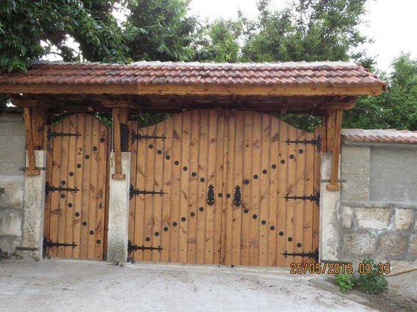 Изработка на дървени порти и гаражни врати