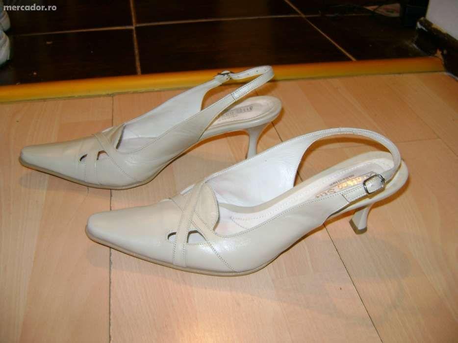 Pantofi bej de dama mas.38