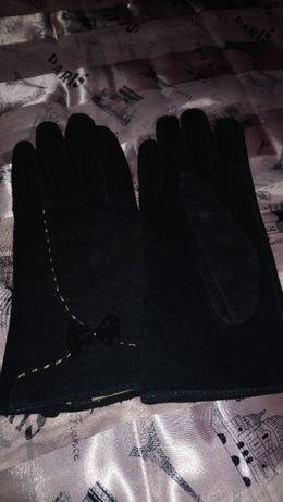 Дамски елегантни черни ръкавици