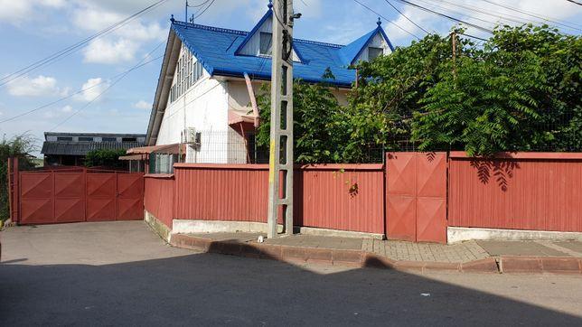 Casa 120 mp plus anexe plus 1000mp teren in Botosani