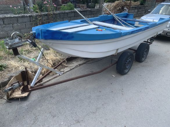 Лодка с колесар