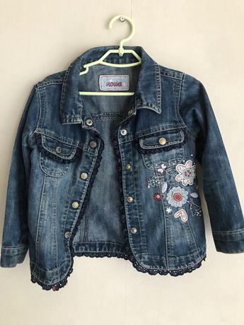 Куртка джинсовая на девочку
