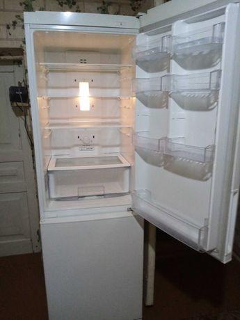 холодильник LG  2 ой раб.