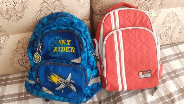 Школьные рюкзаки.