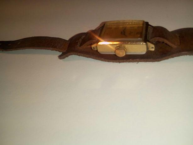 Ceas mecanic de dama, LUCH, placat cu aur, vintage , anii 1970