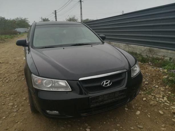 Dezmembrez Hyundai Sonata 2.0 CRDi din 2007