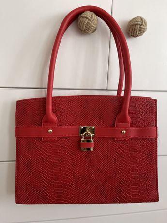 Poseta / geanta rosie, cu lacat gold, compartimentata, noua