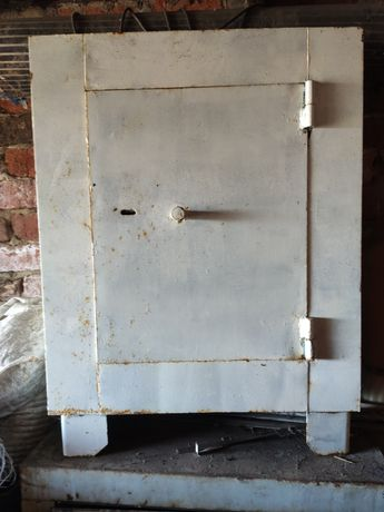 Продам сейфы металлический