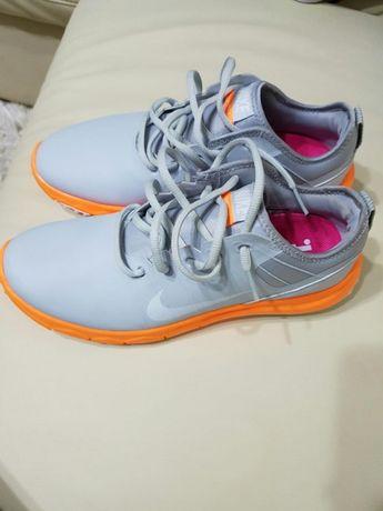 Adidași Nike mărimea 38