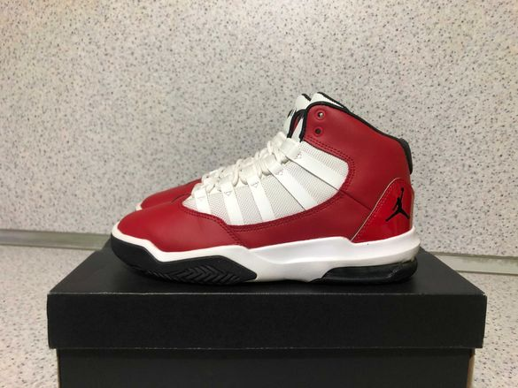 ОРИГИНАЛНИ *** Nike Air Jordan Max Aura / Gym Red/Black/White