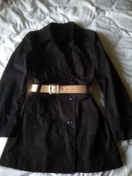 Продавам къс дамски шлифер гр. Варна - image 1