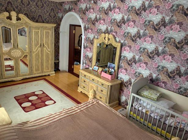 Продам мебель чрочно в хорошем состояние