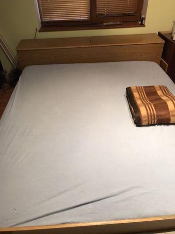 Спален комплект,матрак и гардероб.