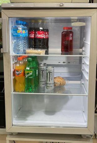 Витринный мини холодильник Бирюса